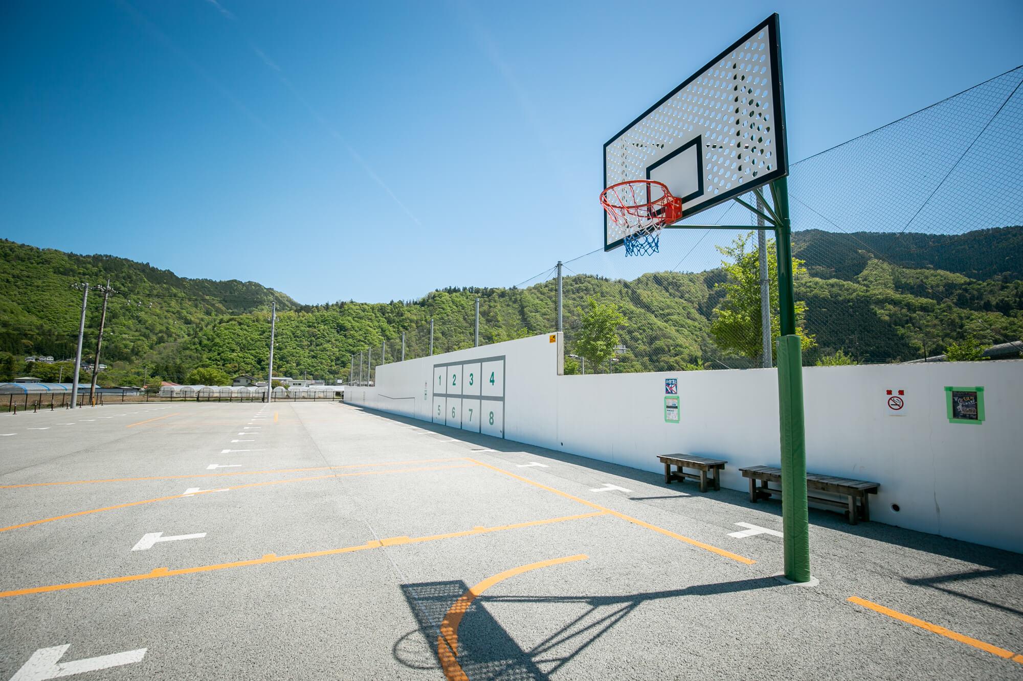 バスケットゴールもあります。