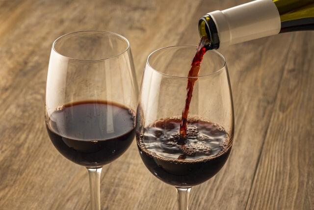 山梨の「一升瓶ワイン」その背景と販売商品のご紹介!